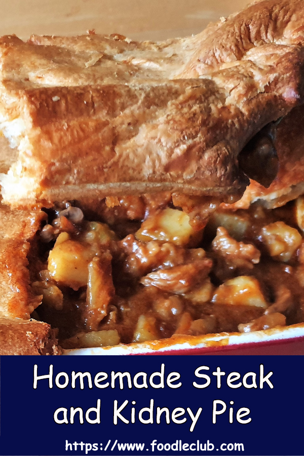 Stak and kidney pie showing the filling.