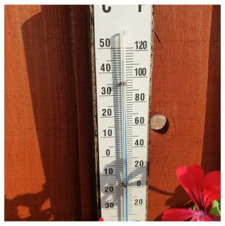 A thermometer showing a termperature of 45 degrees Fahrenheit