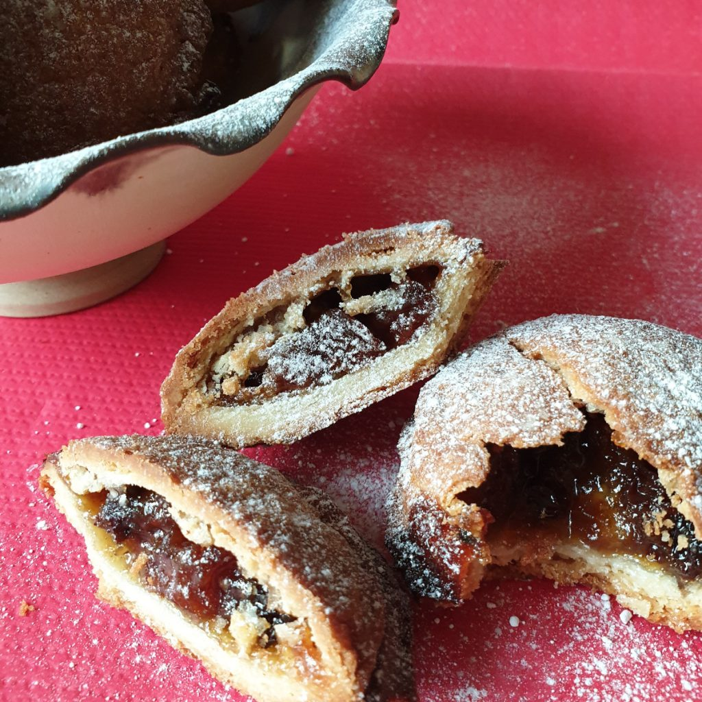 Christmas mince pies showing inside