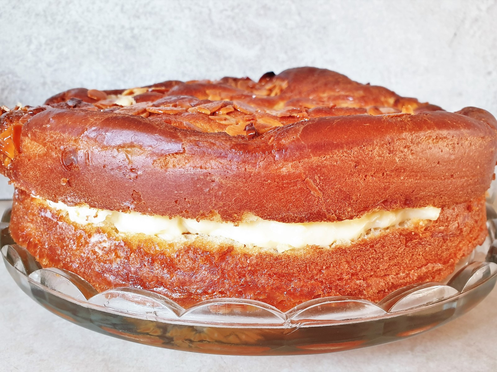 Side on view of the bee sting cake, showing the rise.