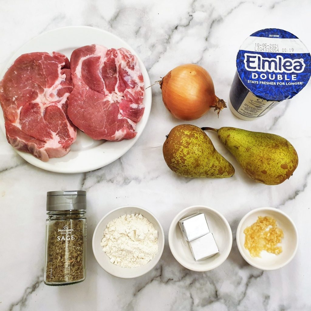 Ingredients for pan-fried pork with pears and onions.